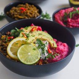 Spicy Dahl with beet mash
